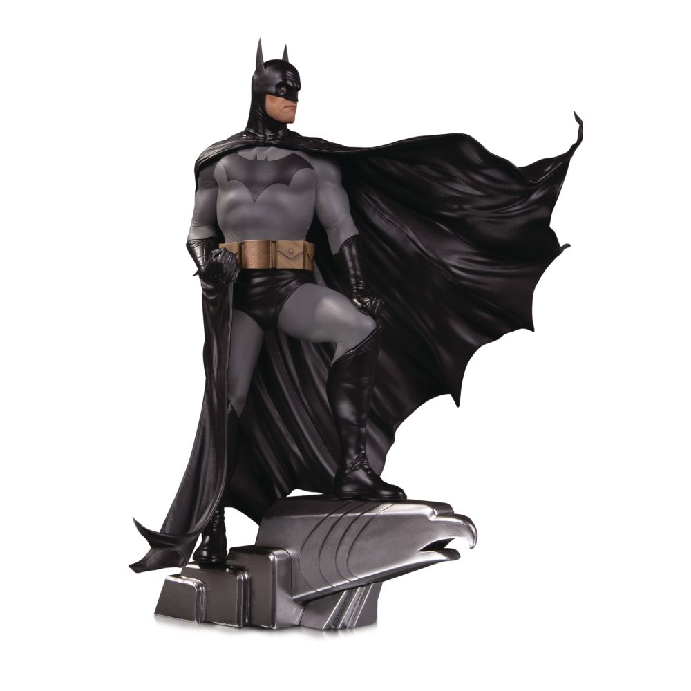 DC Designer Series Batman by Alex Ross Deluxe Statue