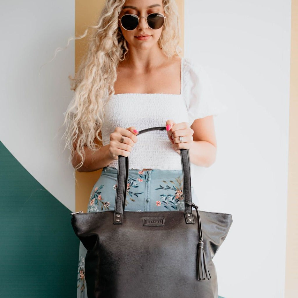 ARCH LUXE Nappy Bag - Vegan Black