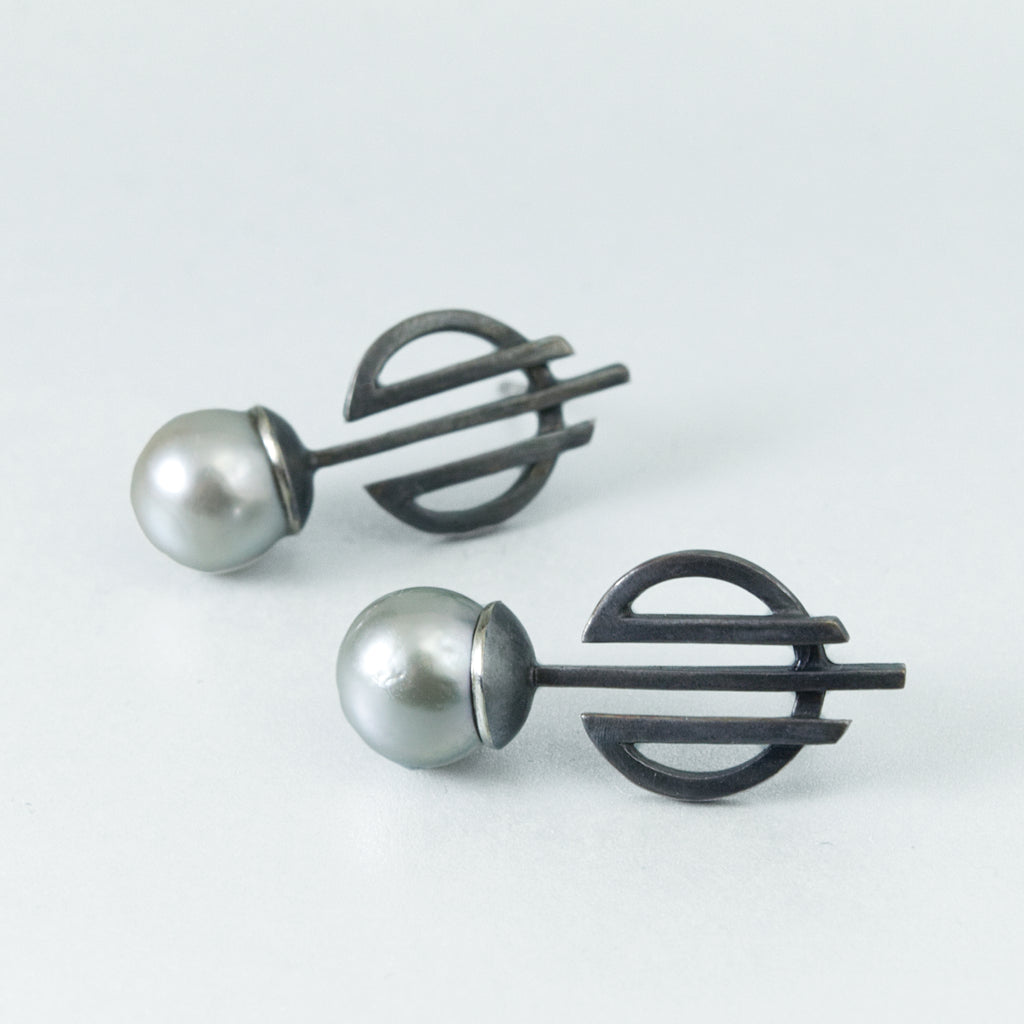Deco Gray Tahitian Pearl Earrings