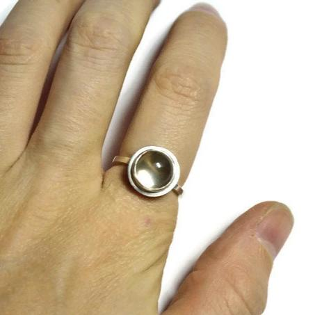 Quartz cab pools of light ring