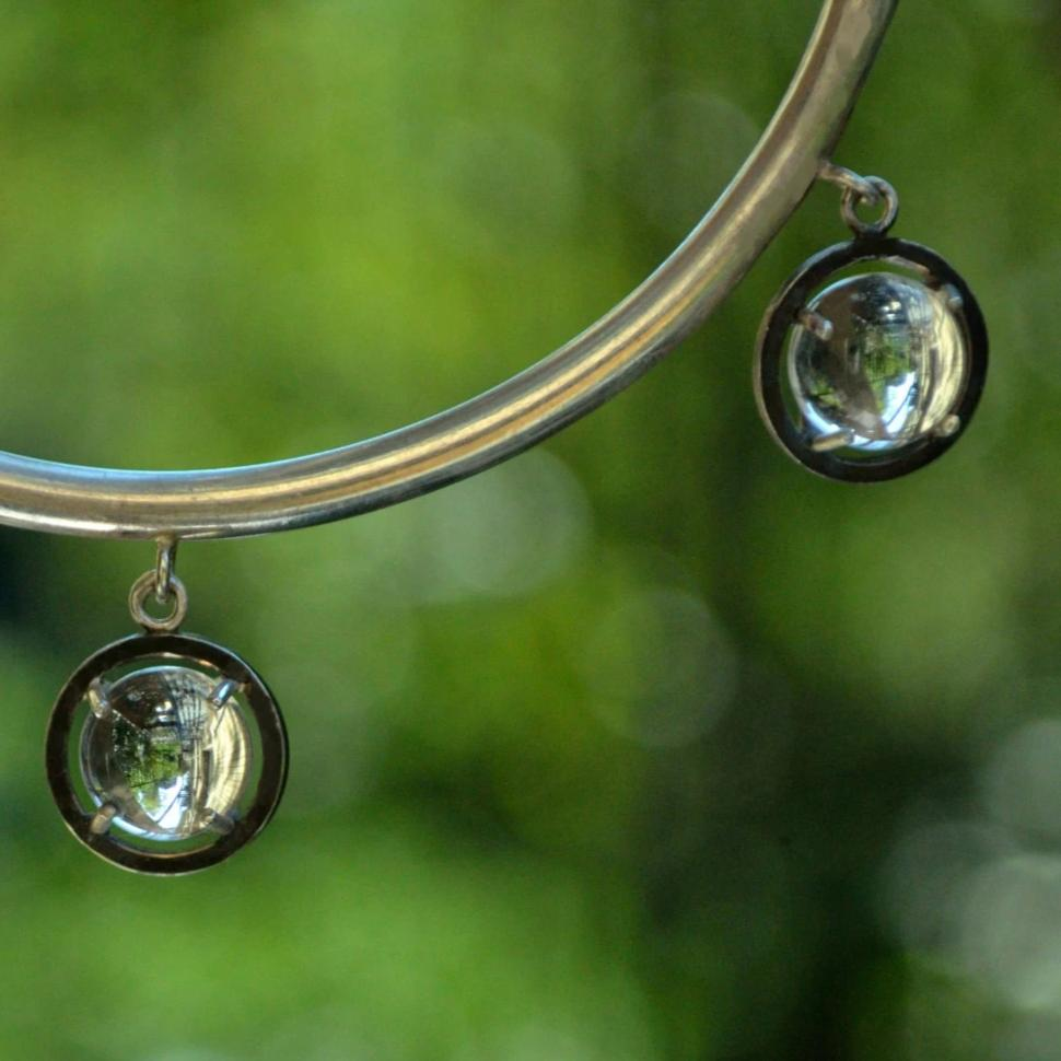 pools of light bangle
