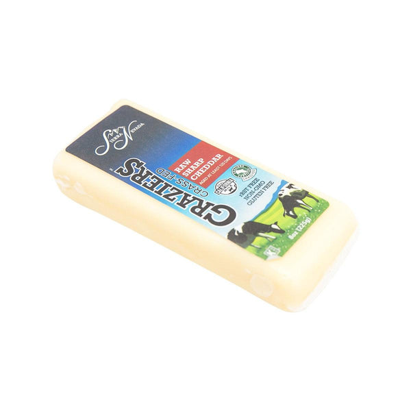 SIERRA NEVADA Graziers Raw Sharp Cheddar Cheese  (225g)