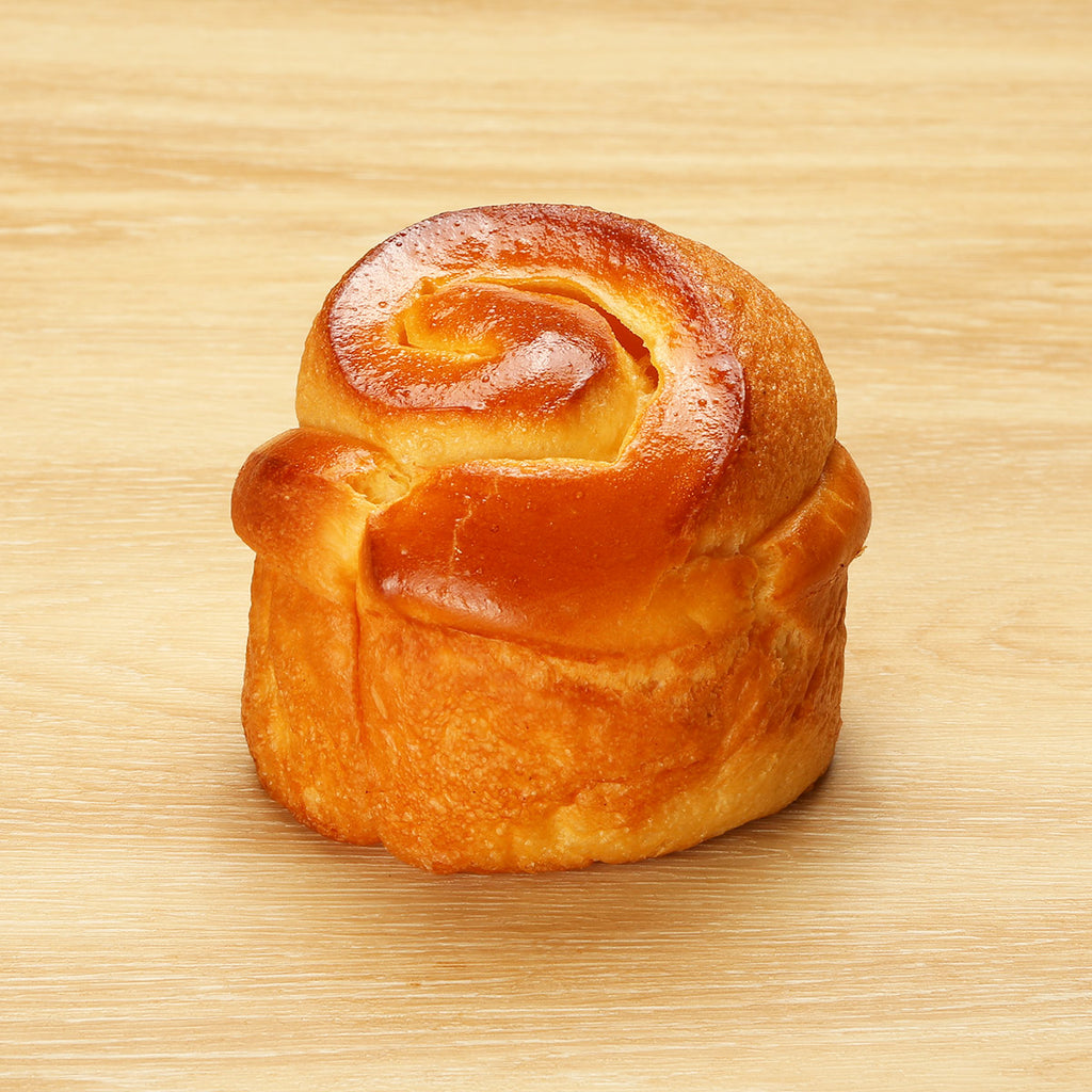 LM BAKERY Honey Milk Cream Snail Bun  (1pc)