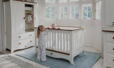 COTS & FURNITURE