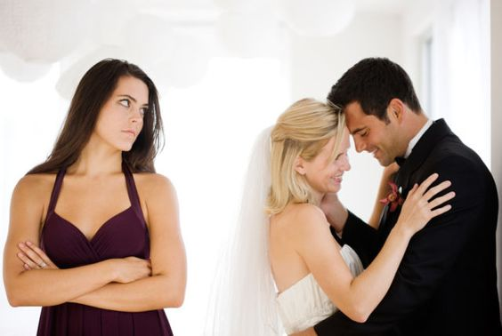 dislike friend fiance maid of honor etiquette
