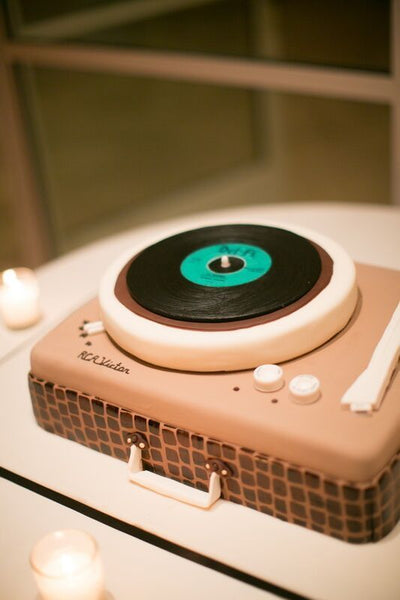 record player grooms cake