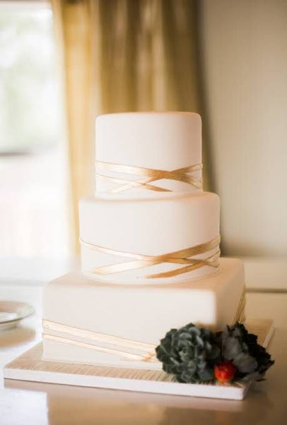 metallic wedding cakes classic white gold stripe