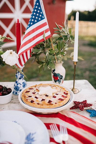4th of July wedding pie