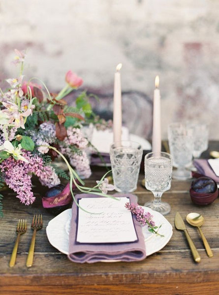 lilac wedding table decor place settings