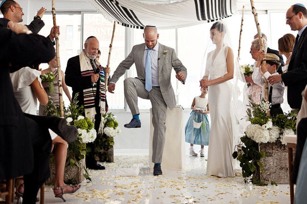 breaking the glass jewish wedding traditions