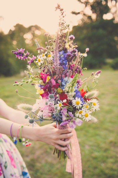 summer camp wildflower wedding bouquet