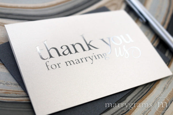 wedding officiant tipping vendors