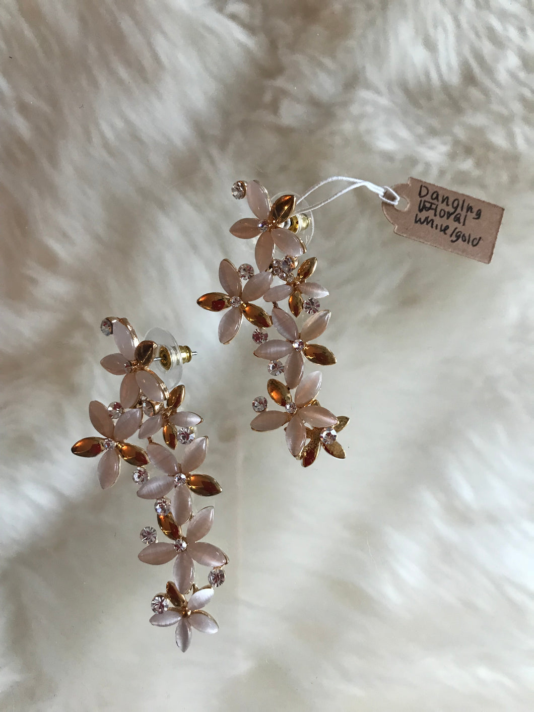 Dangling Floral - White and Gold