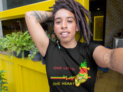 One Love, one heart Women's Tee