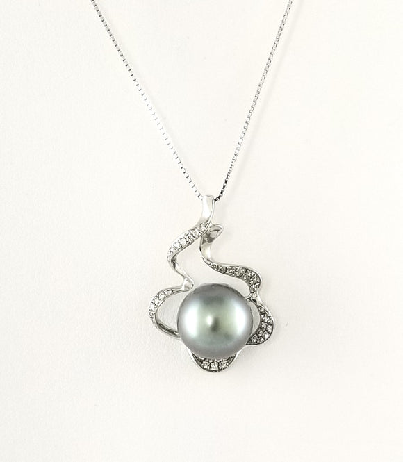 Tahitian Pearls Sterling Silver Necklace with CZ