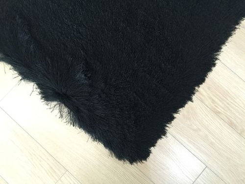 Ultra Lux Modern Rug in Black