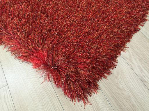 Ultra Lux Modern Rug in Red