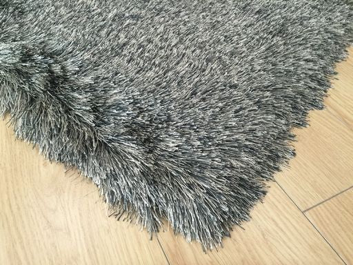 Ultra Lux Modern Rug in Silver