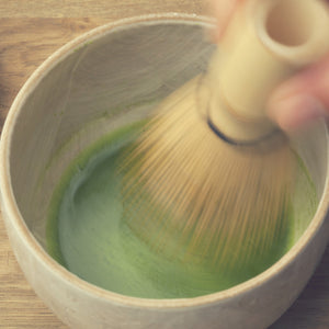How to whisk matcha