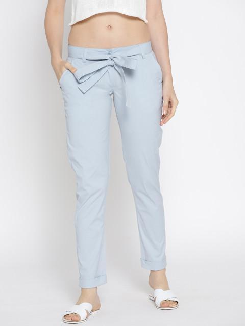 Women Solid Cropped Trousers