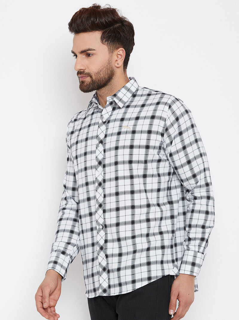 JUMP USA Men White & Black Regular Fit Checked Casual Shirt