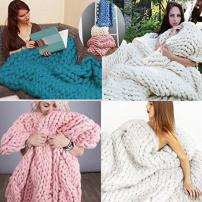 SUPER SOFT CHUNKY KNITTED BLANKET