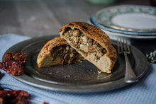 Feta, Spinach, Chickpea & Sundried Tomato Pasty (v)