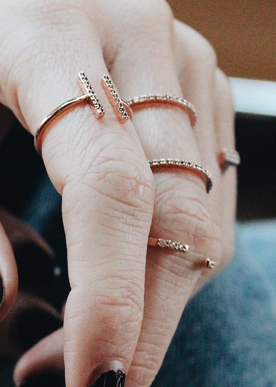 Astrid & Miyu- Chase Me Double Bar Ring- Gold