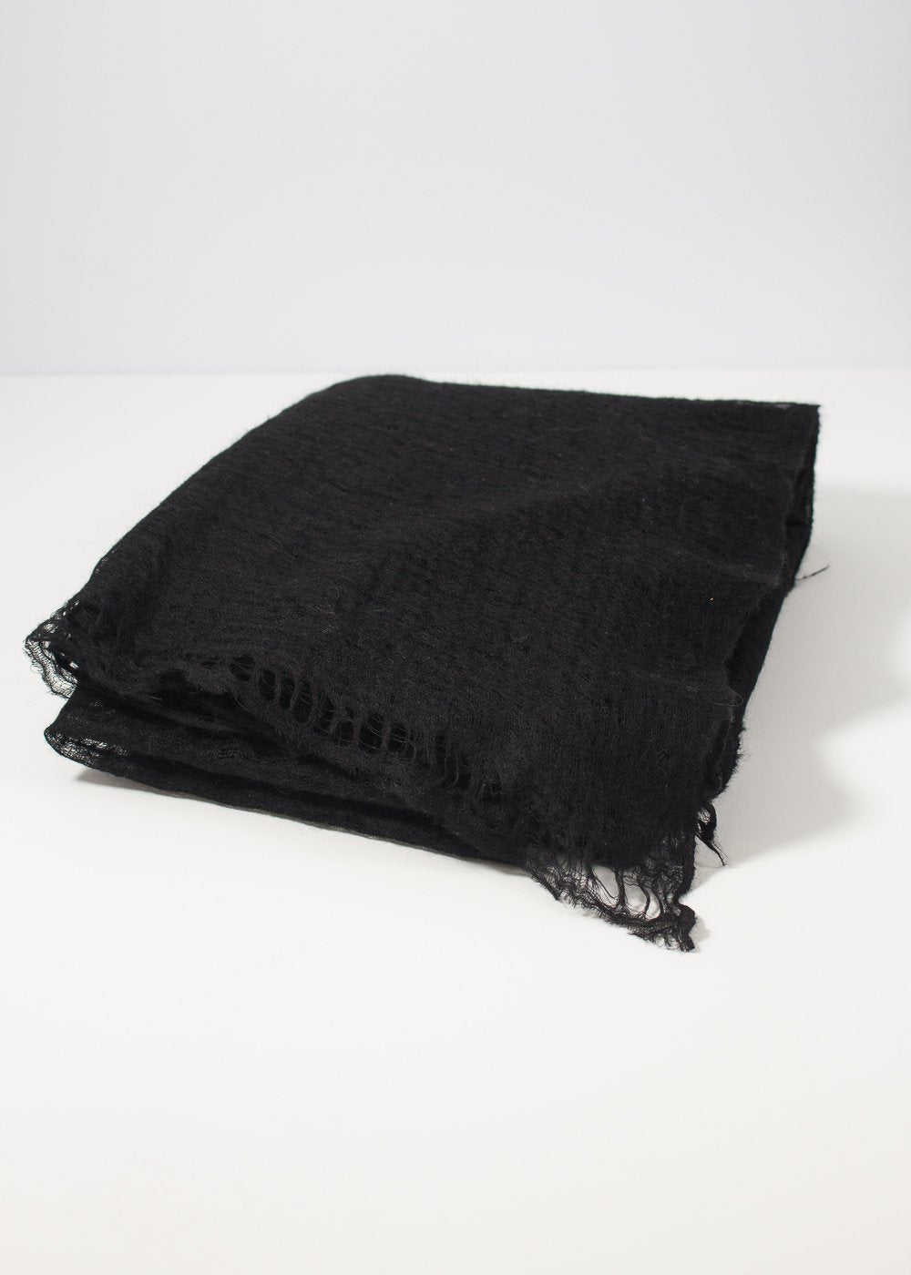 IRIS DELRUBY - Flywing cashmere scarf - black