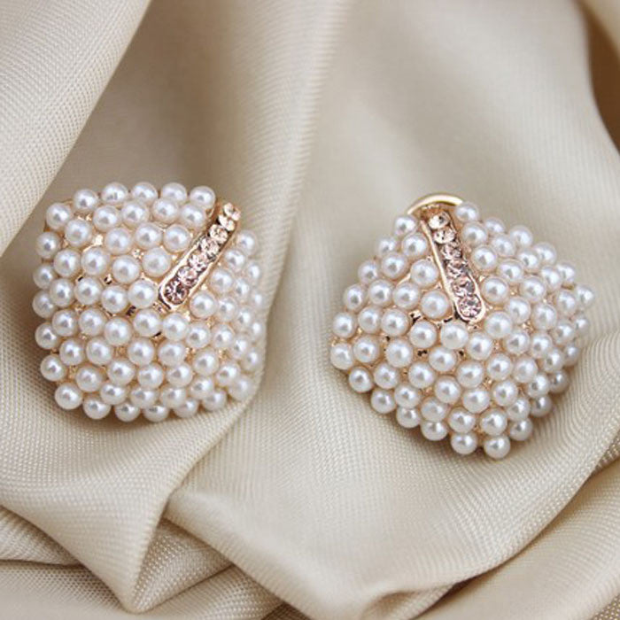 ExquisiteFashion OL Style Women Stud Earrings Pearl Rhombus Crystal Rhinestone