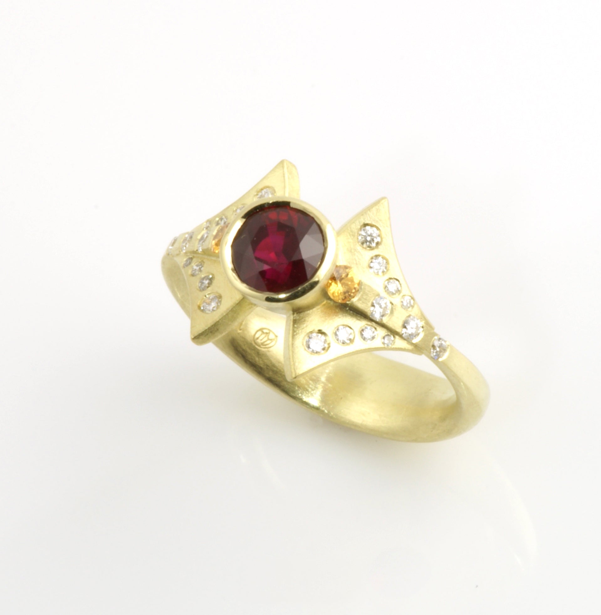 Burmese Ruby fan ring