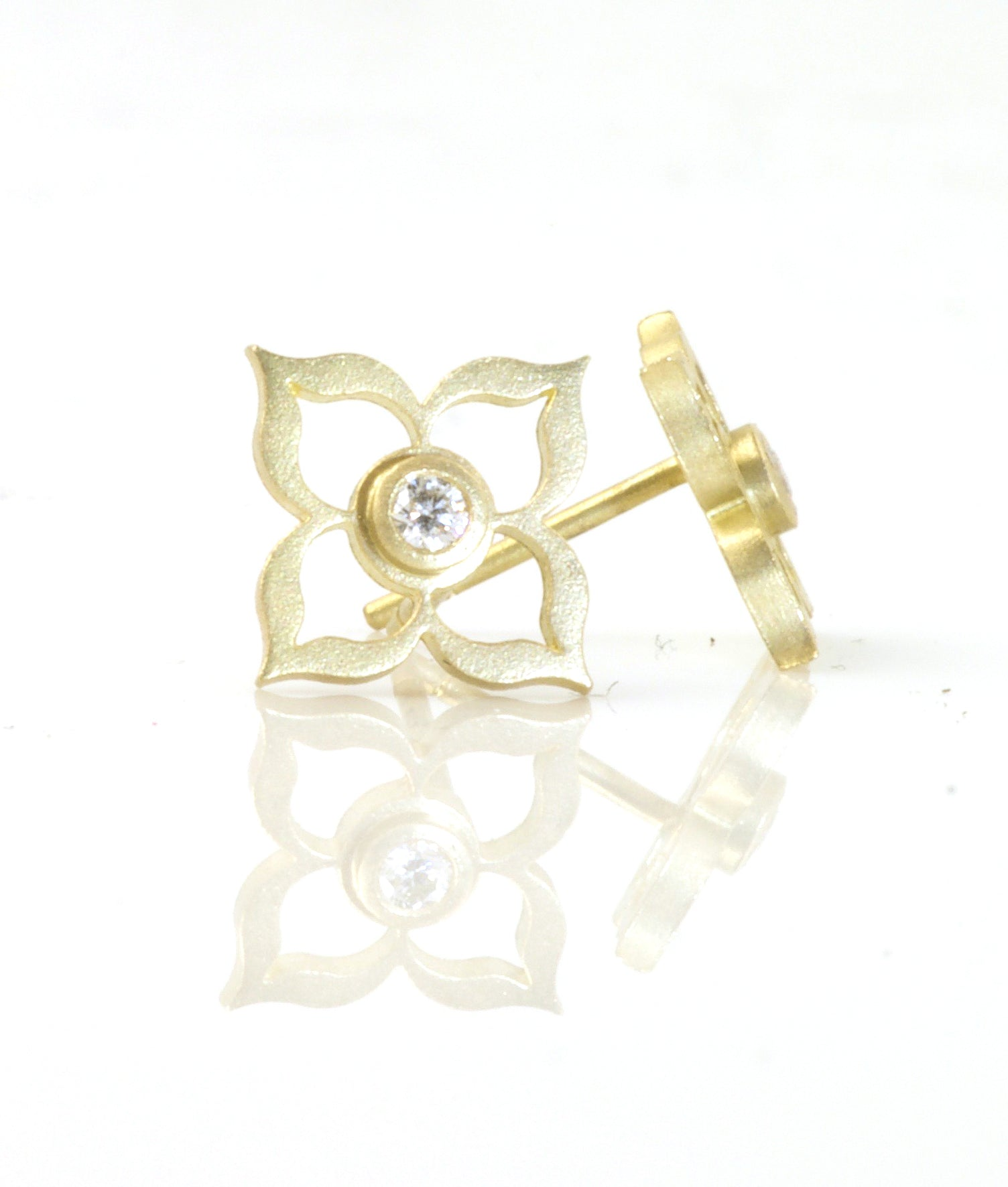 Small Flower studs with Diamonds