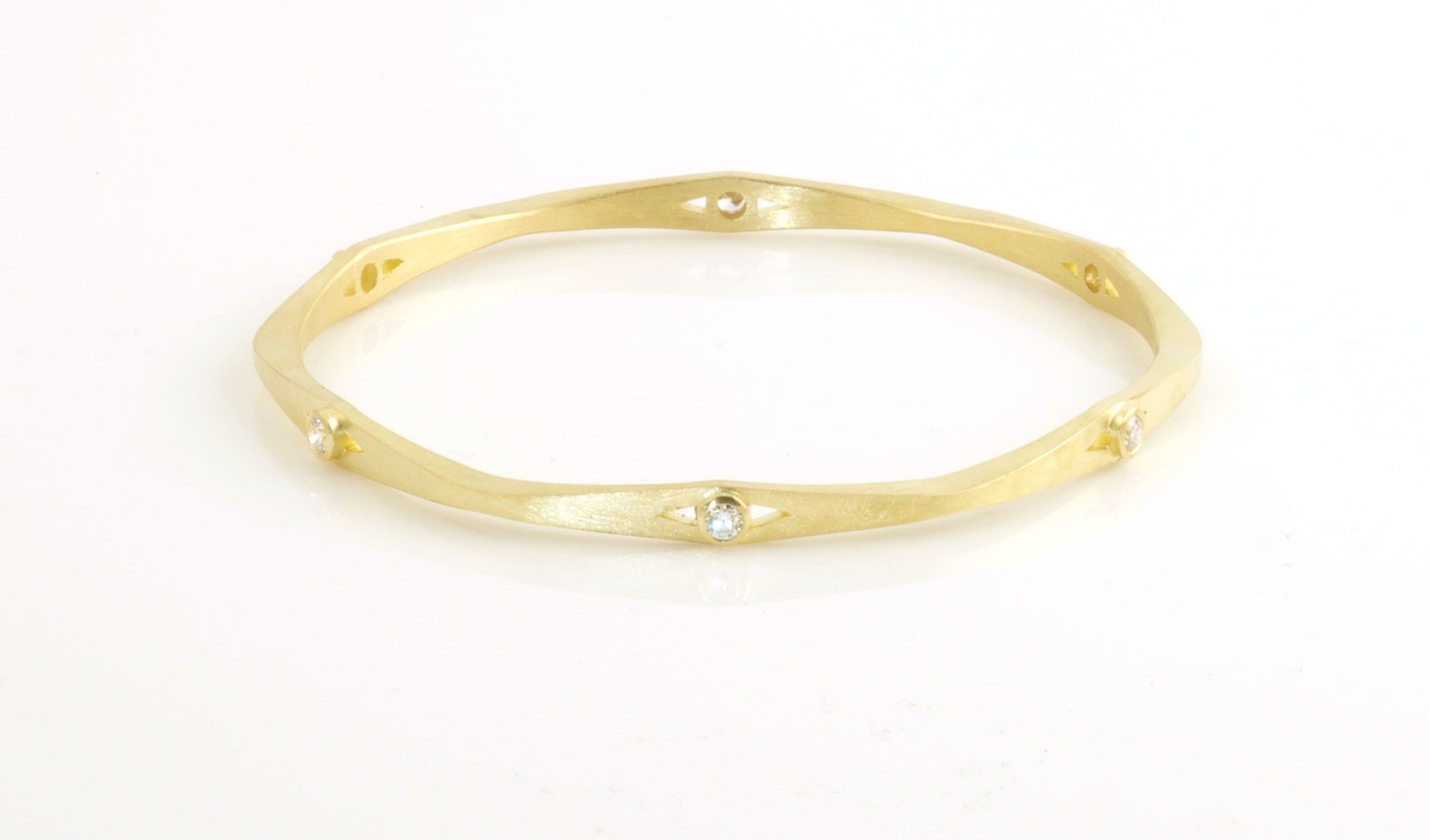 18K Wave Bangle with Diamonds