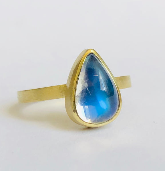 Small drop moonstone Ring