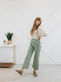 Cute As A Button Pant - Sparrow Noir