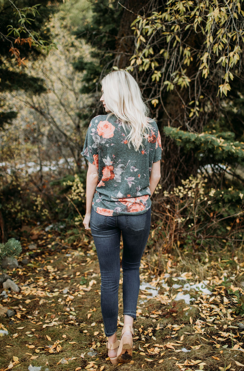 Fall for Floral Top - Sparrow Noir
