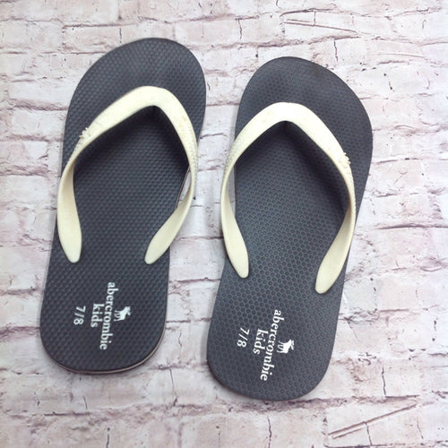 Abercrombie Kids WHITE & BLACK Sandals