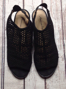 American Eagle Black & Beige Sandals