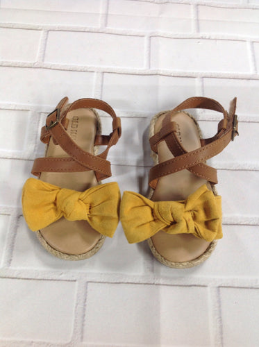 Old Navy Brown & Yellow Sandals