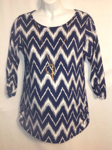 Size Large *No Brand BLUE & WHITE Zigzags Top