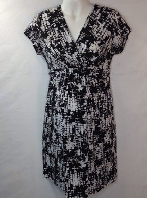 Size Medium Motherhood TAUPE & BLACK Dress
