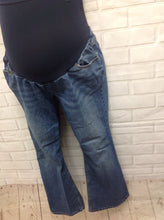 Size PL Motherhood Denim Denim Solid Jeans