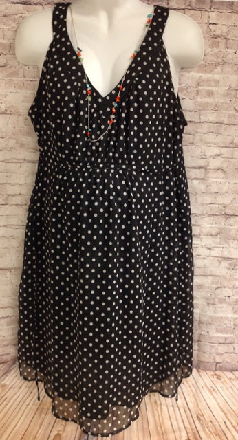 Size XL Motherhood Black Dots Dress