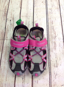 Tsukihoshi Black & Pink Sandals