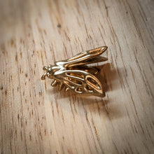 The Magicians, Eliot Waugh replica bee lapel pin