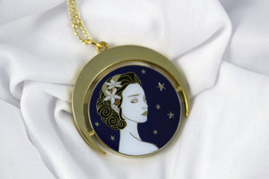 Lucid Dreamer, Spinning enamel necklace