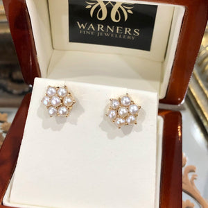 Pearl Daisy Studs in 9ct yellow gold