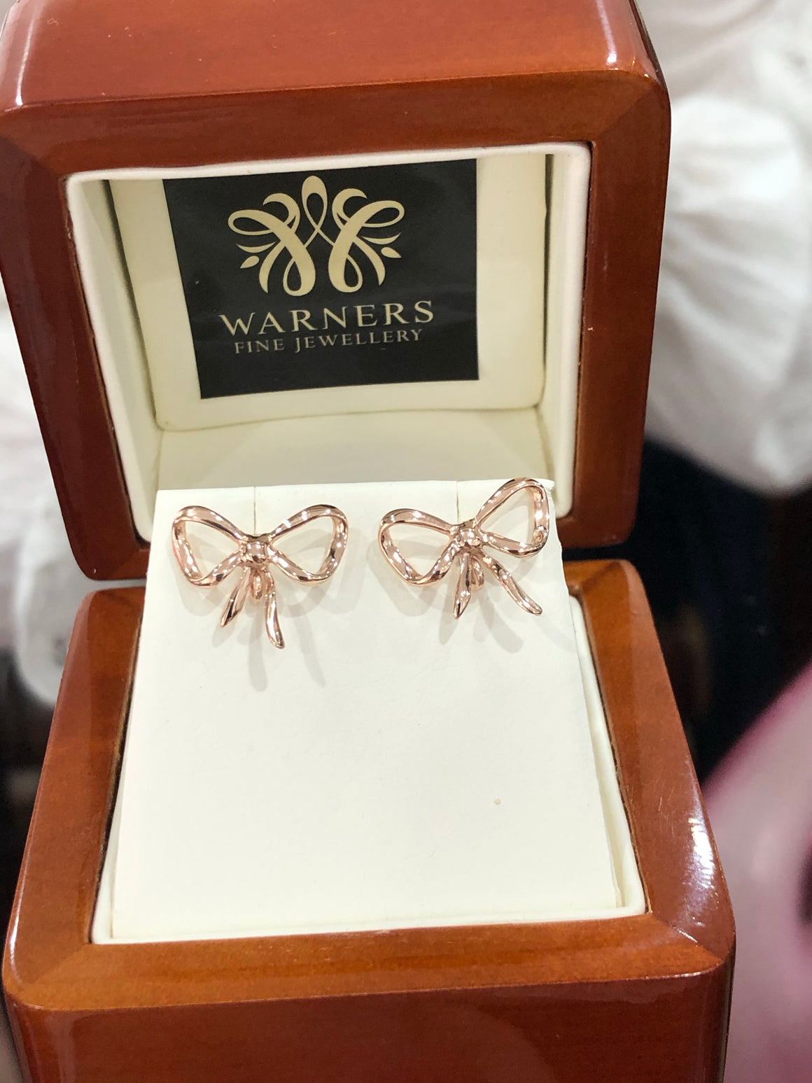 Bow Studs in 9ct Rose Gold