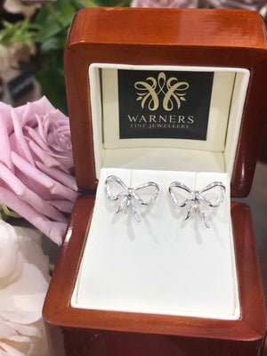 BOW Studs in Sterling Silver