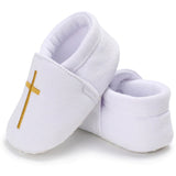 Close up Christenig baby shoes B010
